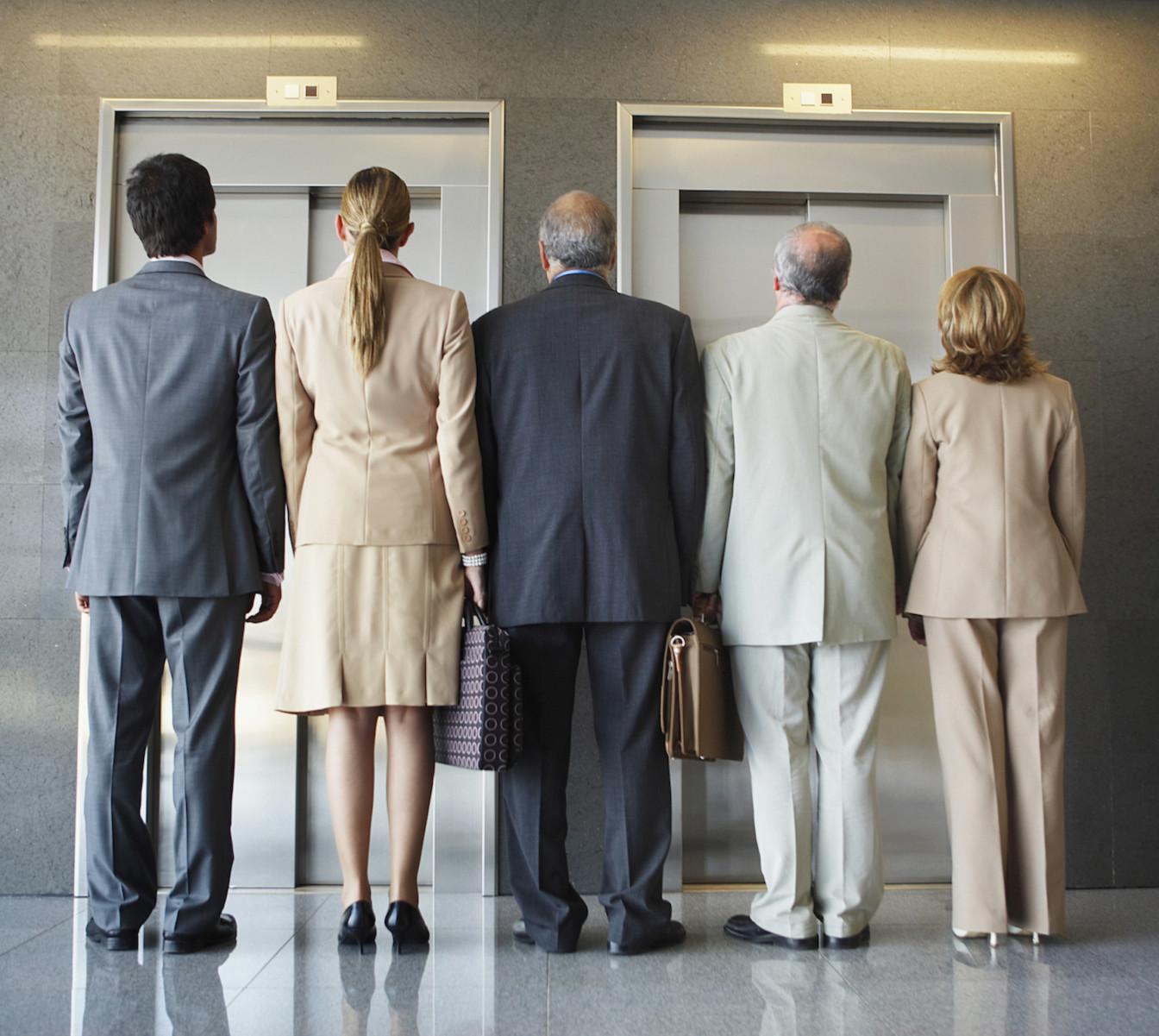 Когда нужно проводить замену лифтов?